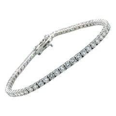 18 Karat White Gold 5.11 Carat Round Diamond Tennis Line Bracelet