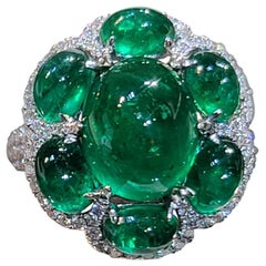 18 Karat White Gold 5.20 Carat Cabochon Emerald Diamond Ring