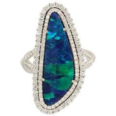 18 Karat Gold 5.3 Carat Opal Diamond Ring