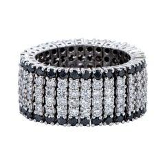 18 Karat White Gold 5.71 Carat White and Black Diamond Flexible Band Ring