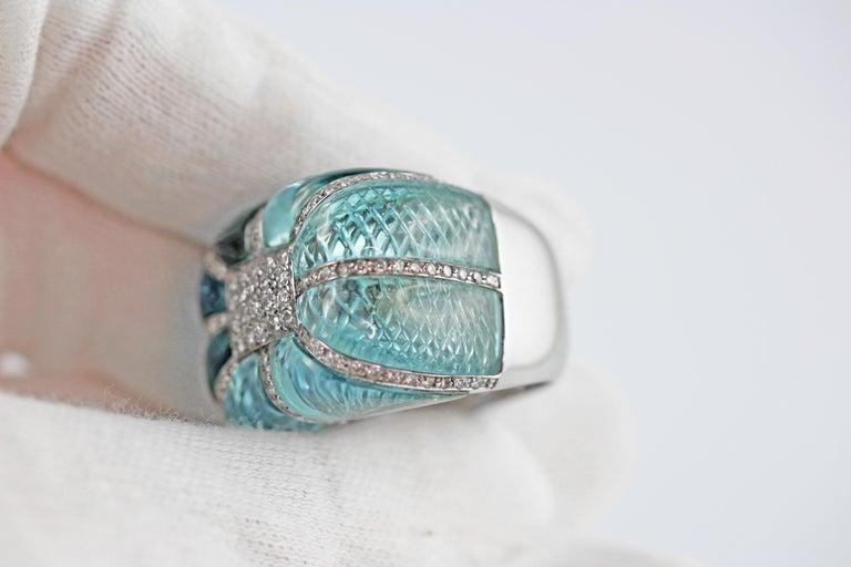 18 Karat White Gold Acquamarine Diamonds Ring  For Sale 5