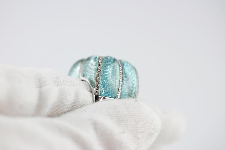 18 Karat White Gold Acquamarine Diamonds Ring  For Sale 7