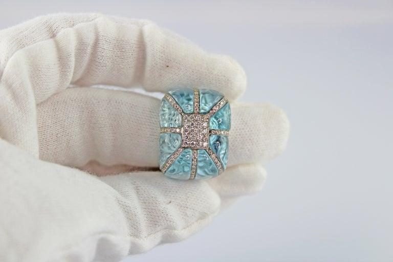 18 Karat White Gold Acquamarine Diamonds Ring  For Sale 8