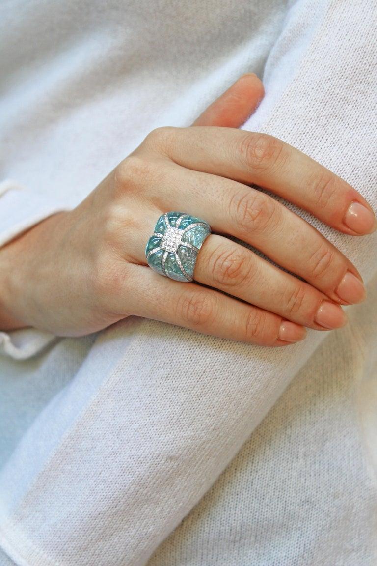 18 Karat White Gold Acquamarine Diamonds Ring  For Sale 10