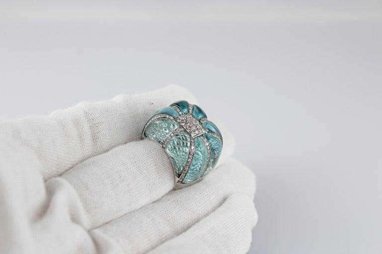 18 Karat White Gold Acquamarine Diamonds Ring  For Sale 1