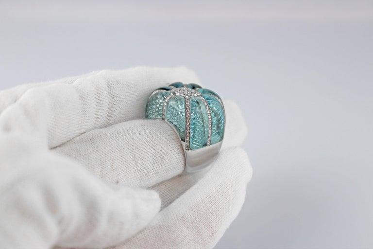18 Karat White Gold Acquamarine Diamonds Ring  For Sale 2