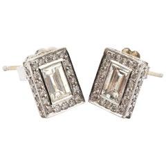 18 Karat White Gold and 1.03 Carat Emerald-Cut Diamond Stud Earrings