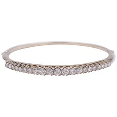 18 Karat White Gold and 1.7 Carat Round Cut Diamond Bangle Bracelet