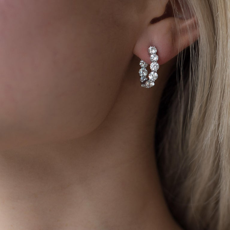 Round Cut 18 Karat White Gold and 4.15 Carat Diamond Curved Hoop Earrings For Sale