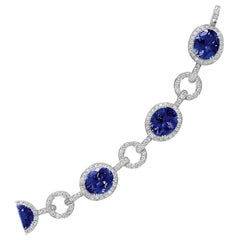 18 Karat White Gold and Diamond Bracelet with 15.18 Carat Oval Iolite