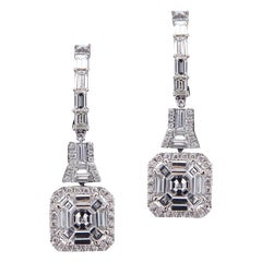 18 Karat White Gold and Diamond Earring