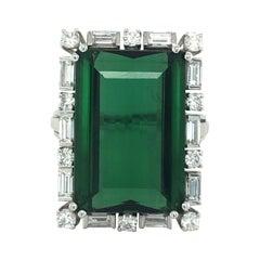 18 Karat White Gold and Green Tourmaline Diamond Dress/Cocktail Ring