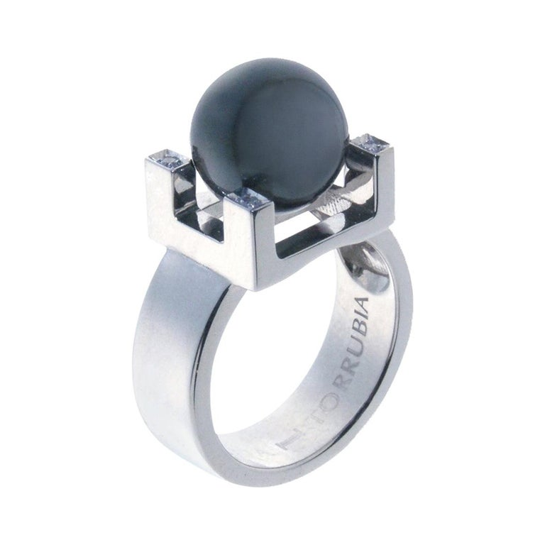 18 Karat White Gold and Tahitian Pearl Ring For Sale