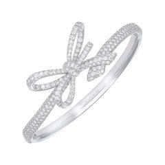 18 Karat White Gold and White Diamonds Bow Bracelet