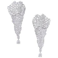 18 Karat White Gold and White Diamonds Chandelier Earrings