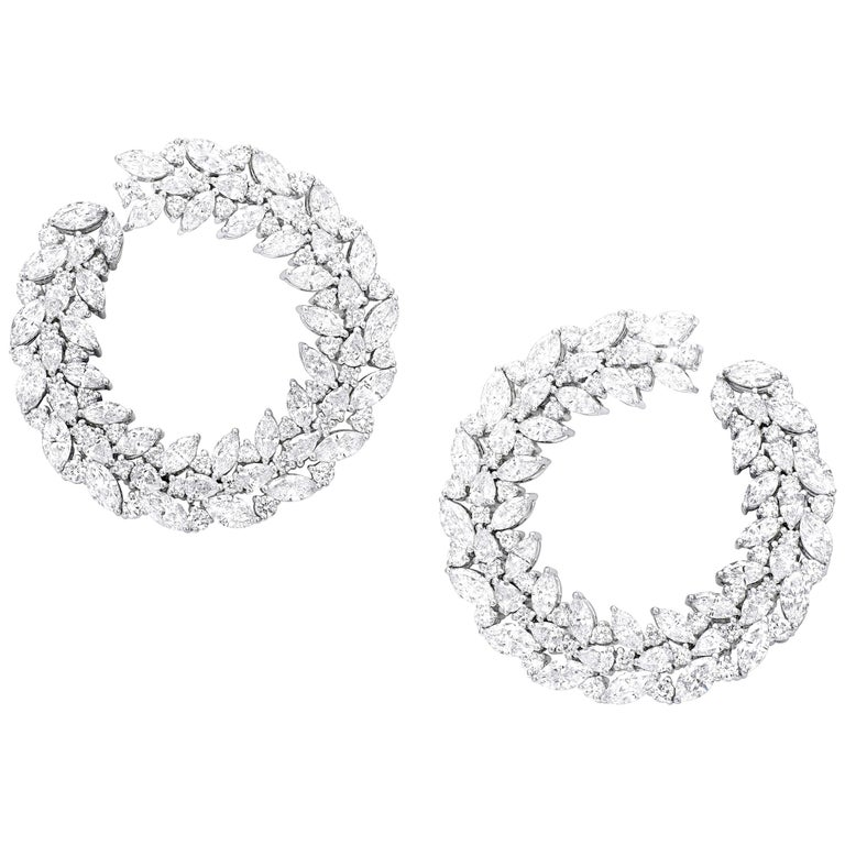18 Karat White Gold and White Diamonds Earrings For Sale