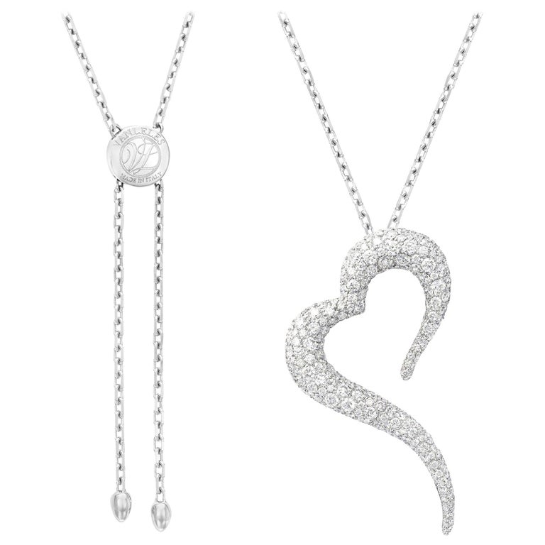 18 Karat White Gold and White Diamonds Heart Shaped Pendant For Sale