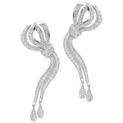 18 Karat White Gold and White Diamonds Ribbon Earrings