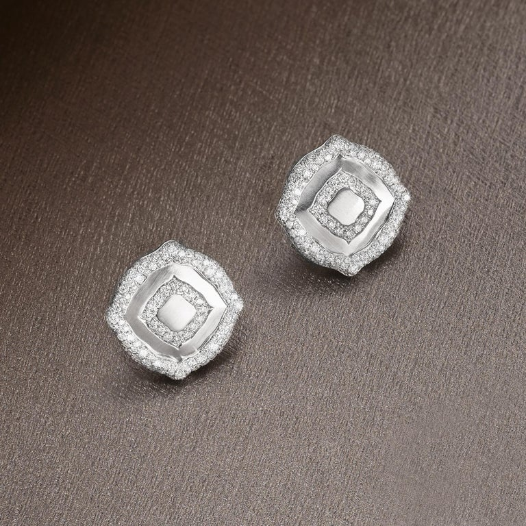 Women's 18 Karat White Gold and White Diamonds Pendant and Earrings For Sale