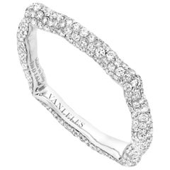 18 Karat White Gold and White Diamonds Ring