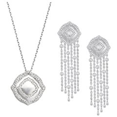 18 Karat White Gold and White Diamonds Small Fringe Earrings and Pendant