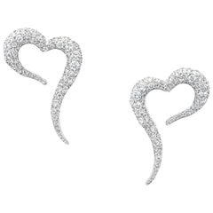 18 Karat White Gold and White Diamonds Small Heart Shaped Earrings