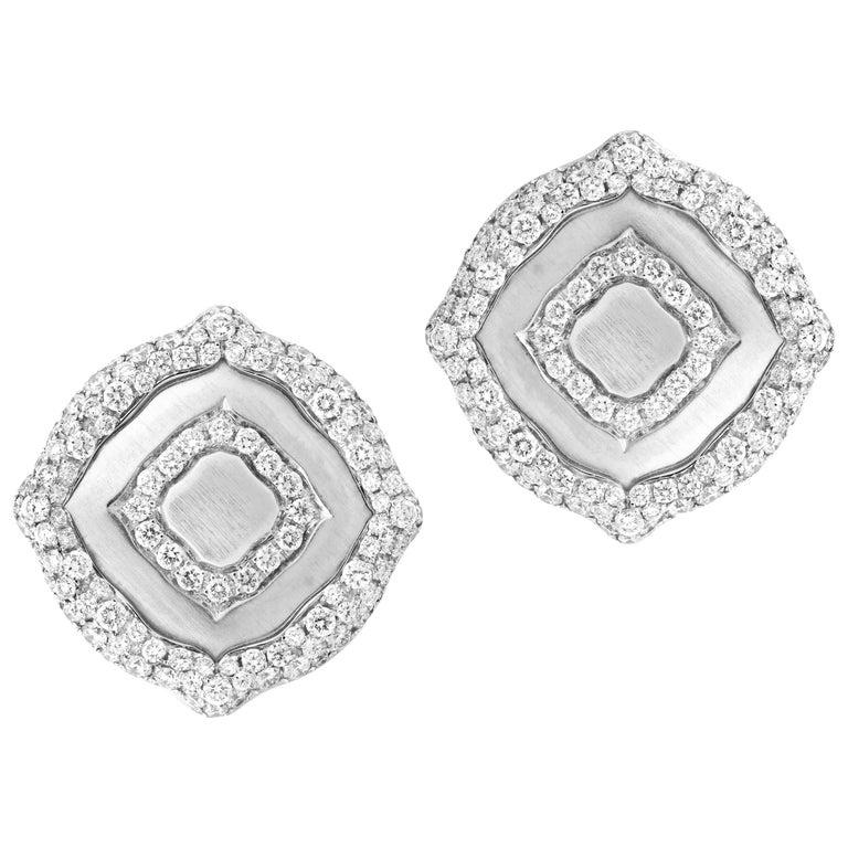 18 Karat White Gold and White Diamonds Stud Earrings For Sale