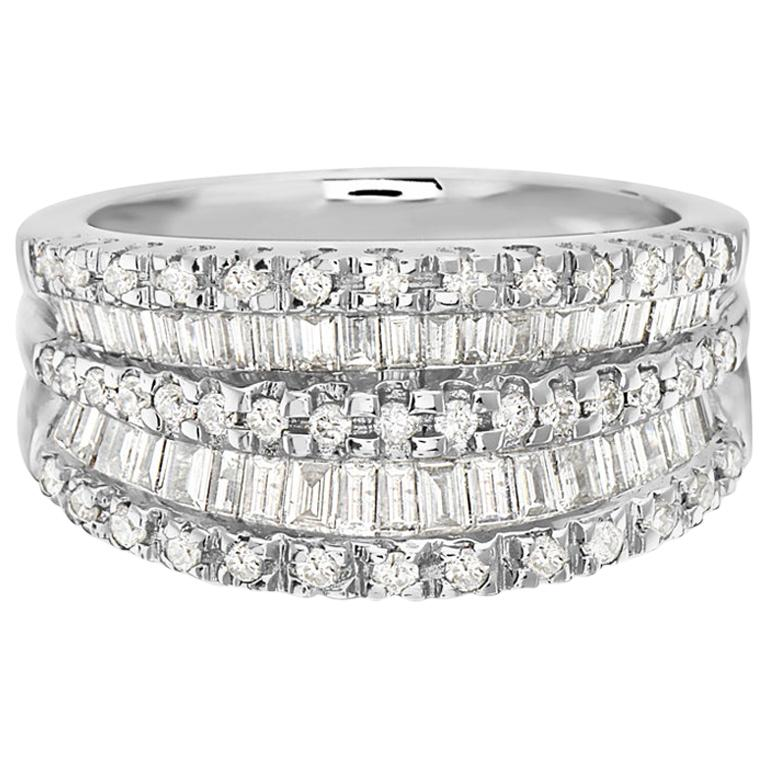 18 Karat White Gold Baguette and Round Diamond Ring For Sale