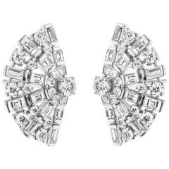 18 Karat White Gold Baguette and Round Diamond Stud Earring