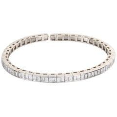 18 Karat White Gold Baguette Cut Diamond Flexible Cuff Bangle