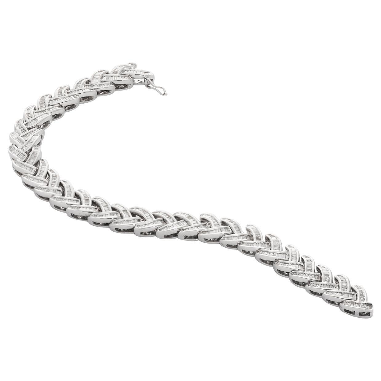 18 Karat White Gold Baguette Diamond Bracelet
