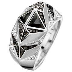 18 Karat White Gold, Black and White Diamond and Onyx Carioca Ring