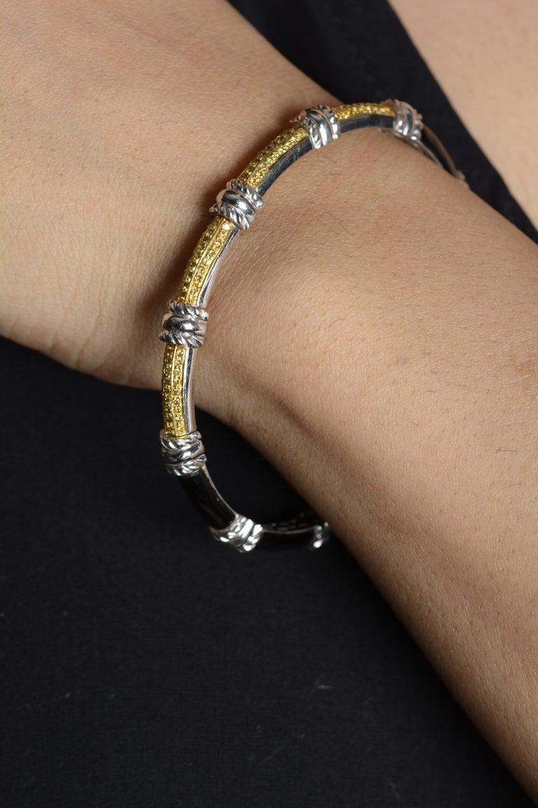 18 Karat White Gold Black Enamel Yellow Diamond Cuff Bracelet In Good Condition For Sale In Mumbai, IN