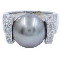 18 Karat White Gold Black Tahitian Pearl Diamond Ladies Ring 0.75 Carat