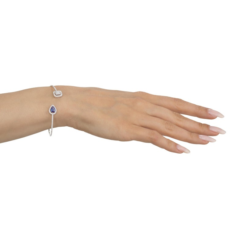 18 Karat White Gold Blue Sapphire and Pave Diamond Cuff Bangle In New Condition For Sale In New York, NY