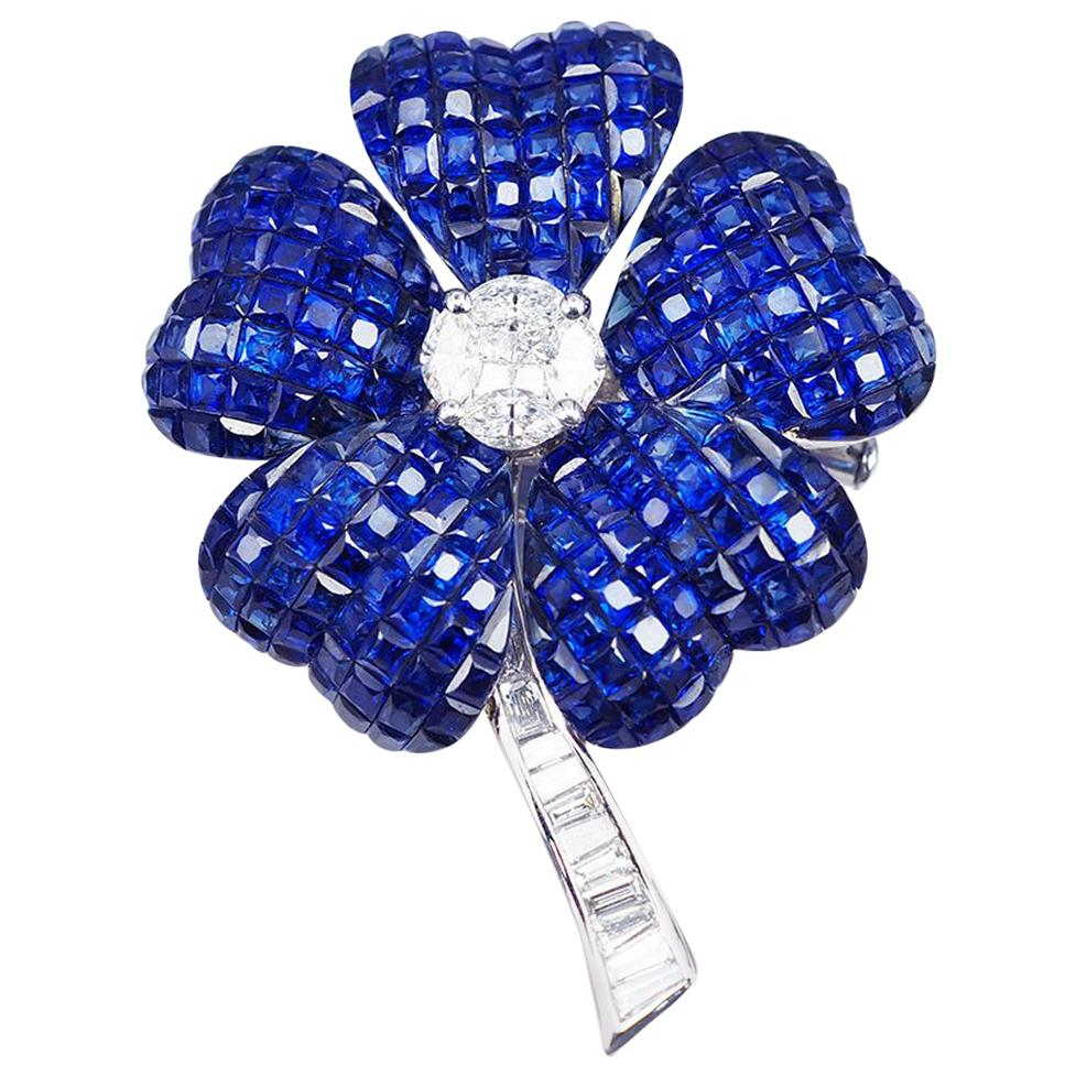 18 Karat White Gold Blue Sapphire Diamond Invisible Flower Brooch