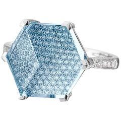 18 Karat White Gold Blue Topaz 6.50 Carat and Diamond Brillante Valentina Ring