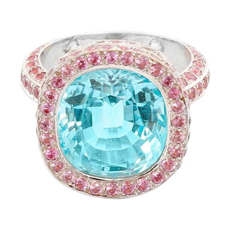 18 Karat White Gold Blue Topaz and Pink Sapphire Ring For Sale