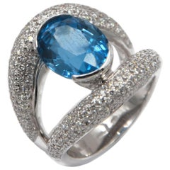 18 Karat White Gold Blue Topaz White Diamonds Garavelli Ring