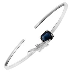 18 Karat White Gold Bracelet with 3.96 Carats Blue Sapphire