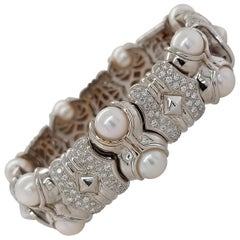 18 Karat White Gold Bracelet with Brilliant Cut Diamonds and Pearls