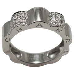 18 Karat White Gold Chanel Profil de Camellia Ring with Diamonds