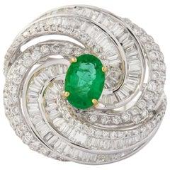 18 Karat White Gold Cocktail Ring Diamond with Emerald Stone