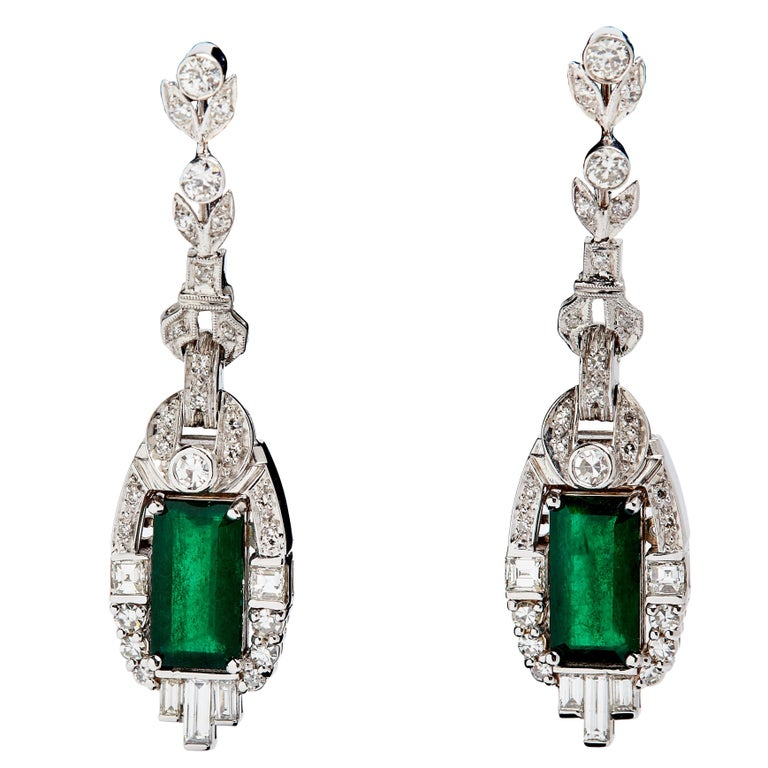 18 Karat White Gold Colombian Emeralds and Diamonds Earrings For Sale