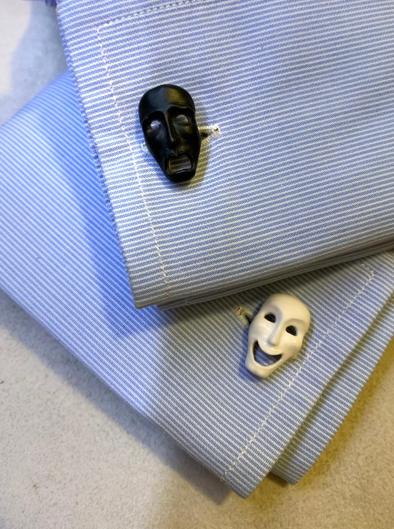 18 Karat White Gold Comedy and Tragedy Theater Masks in Onyx and Agate Cufflinks For Sale 4