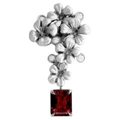 18 Karat White Gold Contemporary Pendant Necklace with Ruby and Diamonds