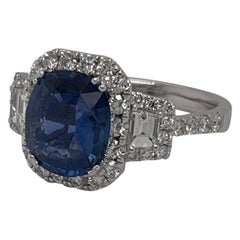 18 Karat White Gold Cushion Ceylon Sapphire & Diamond Ring 2.90 Carats