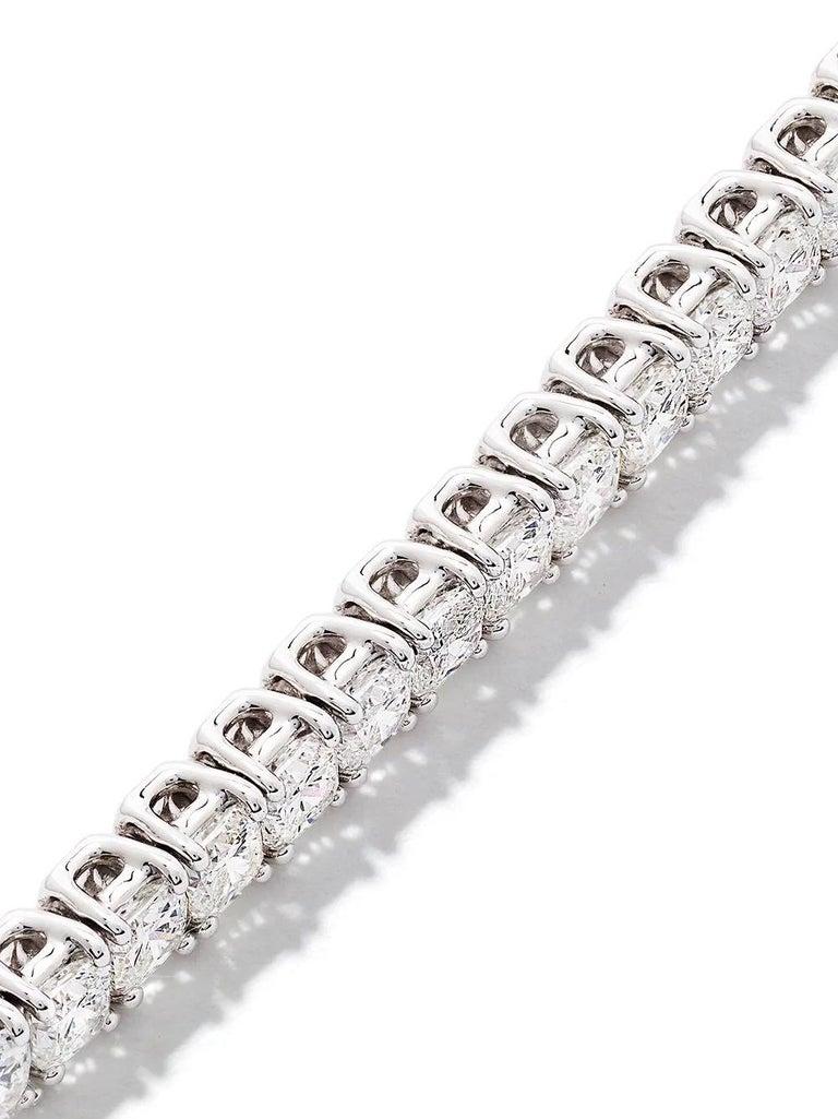 Cushion Cut 18 Karat White Gold Cushion Diamond Bracelet For Sale