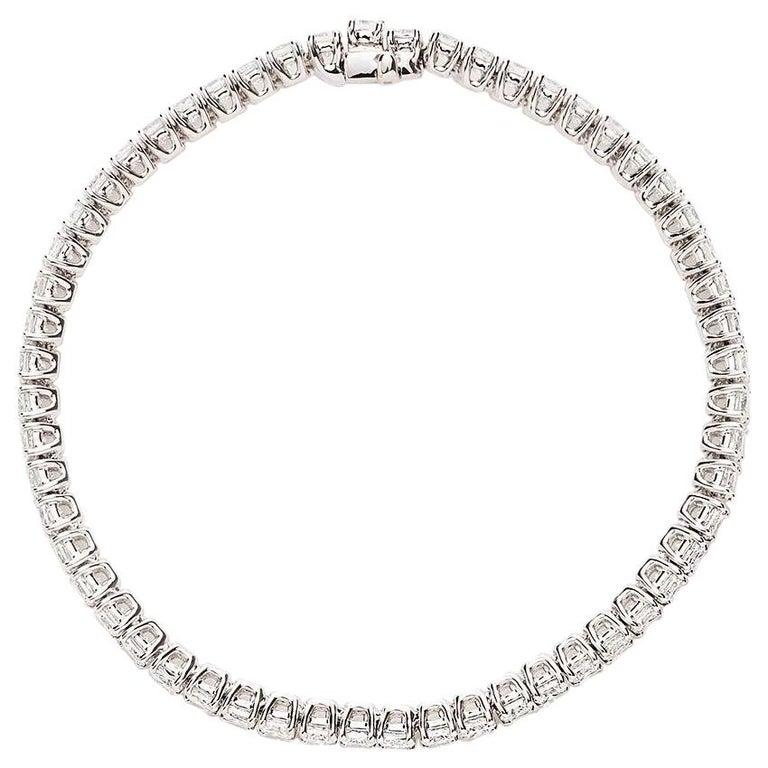 18 Karat White Gold Cushion Diamond Bracelet For Sale
