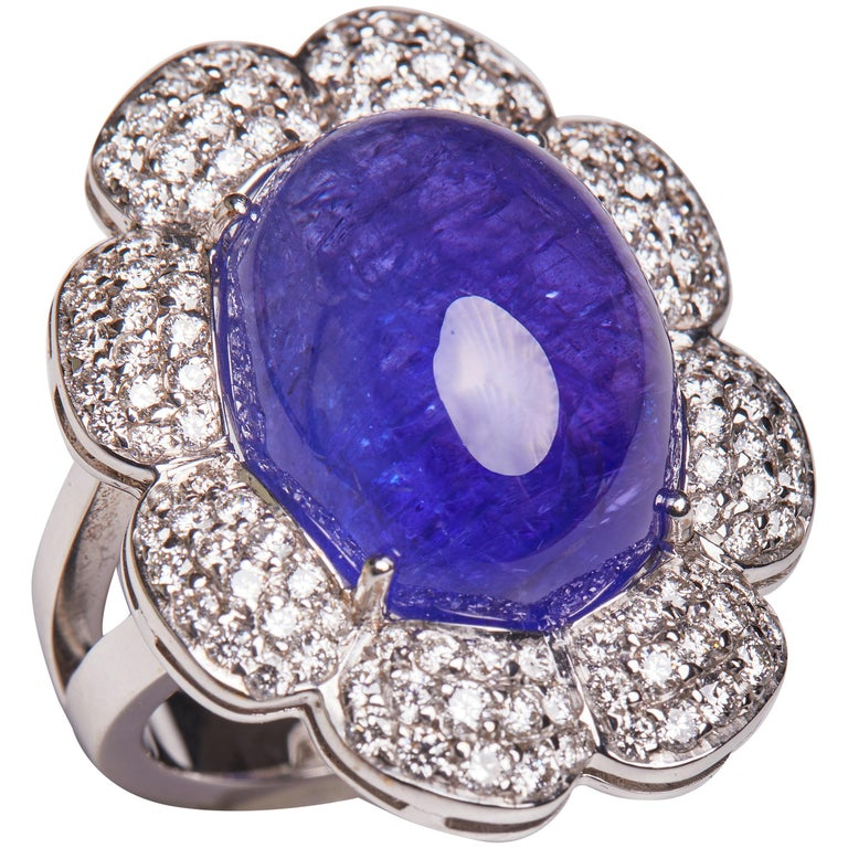 18 Karat White Gold Diamond and Tanzanite Cocktail Ring For Sale